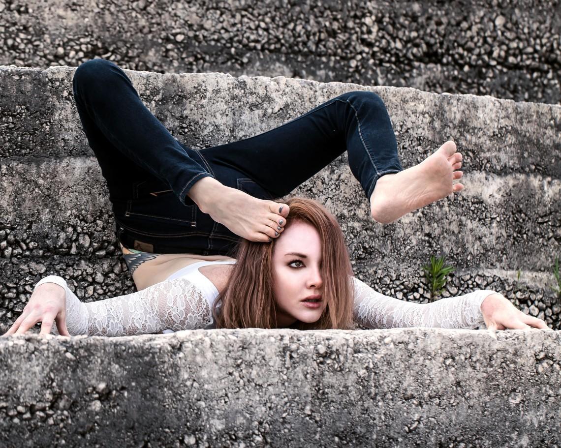 Contortion, contortionist, Las Vegas contortionist, Cheryl Birch, dance photography, dance costumes, Las Vegas models, redhead photography, redhead dancer