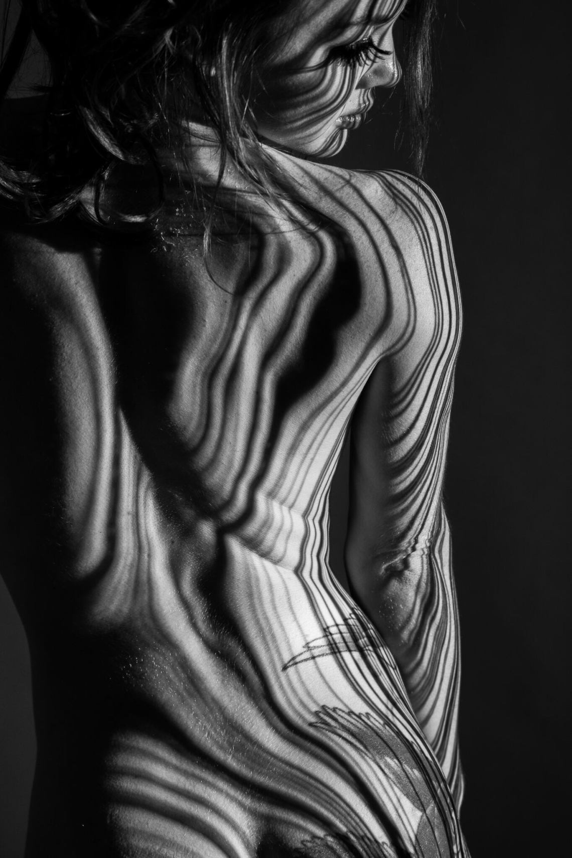 Shadow Photography, physique, physique Photography, fitness model, fitness Photography, fitness inspiration, girls with muscle, muscle girls, fit girls, circus artist